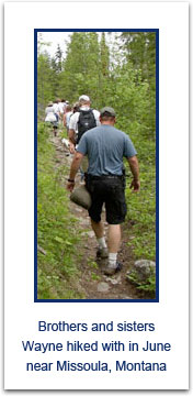 hikers_on_trail_0